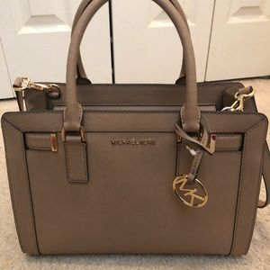 MICHAEL KORS SATCHEL PURSE